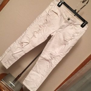 AE DESTROYED CROP JEANS